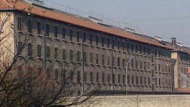 prison-de-fresnes-2498226_1713